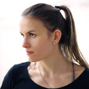 Stella Caric - Geschäftsführerin im motion*s Tanz und Bewegungsstudio Berlin. Tänzerin und Dozentin für Jazz, Modern. Lyrical, Hip Hop, House und Dancehall