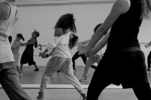 Urban Dance (Hip Hop, House, Dancehall) im Tanzstudio motion*s Berlin)
