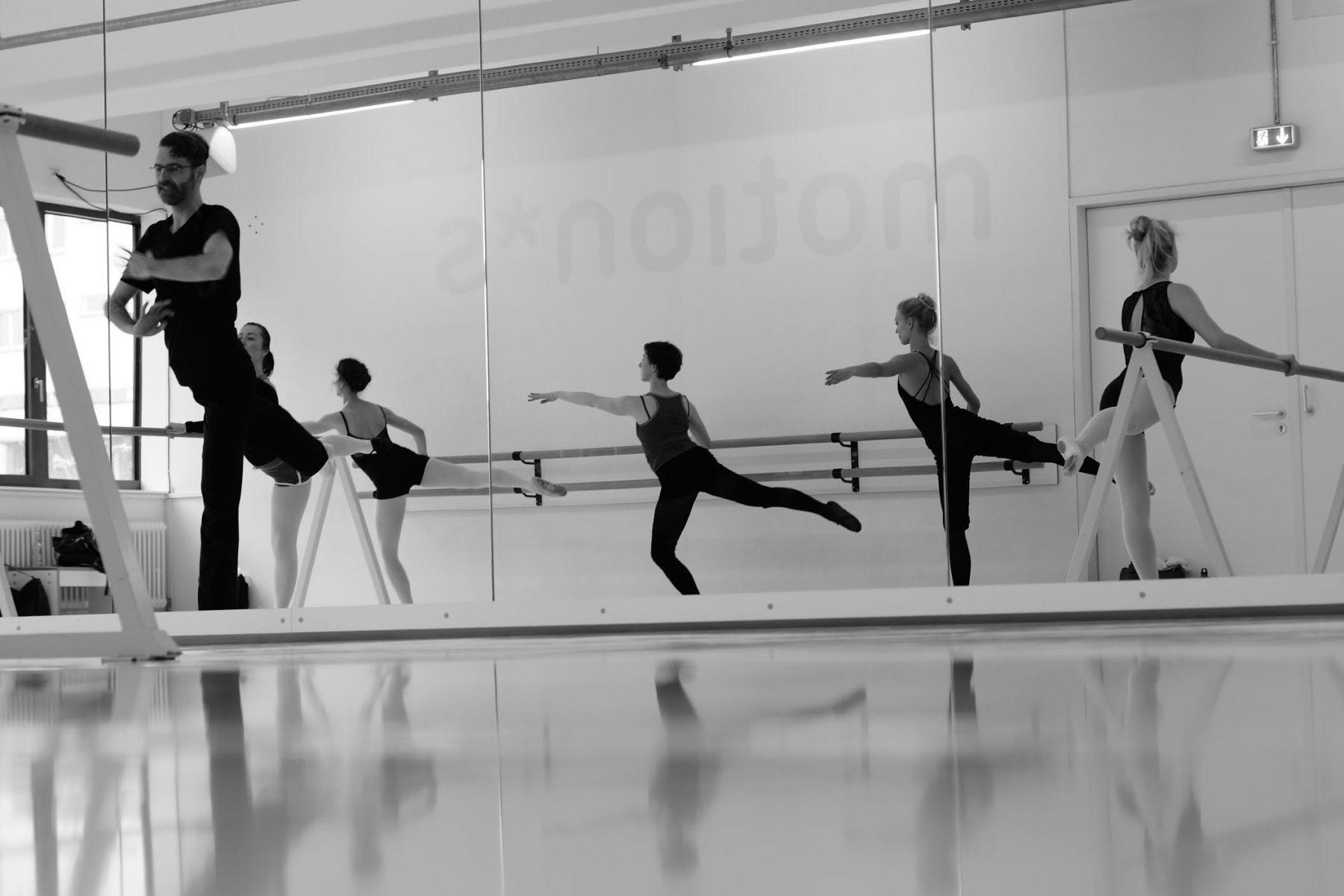 Ballett Mittelstufe Adrian Navarro