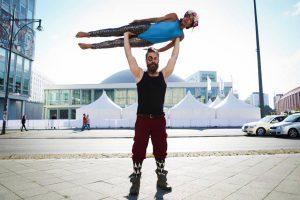 Partnerakrobatik Adrian Iselin im motion*s Tanz und Bewegungsstudio Berlin